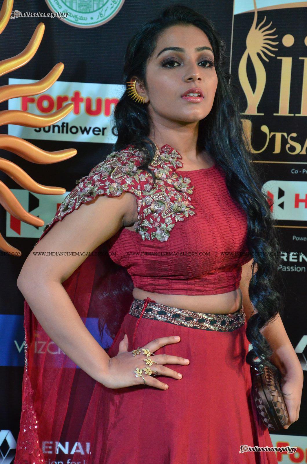 rajisha-vijayan-at-at-iifa-utsavam-awards-2017-12306