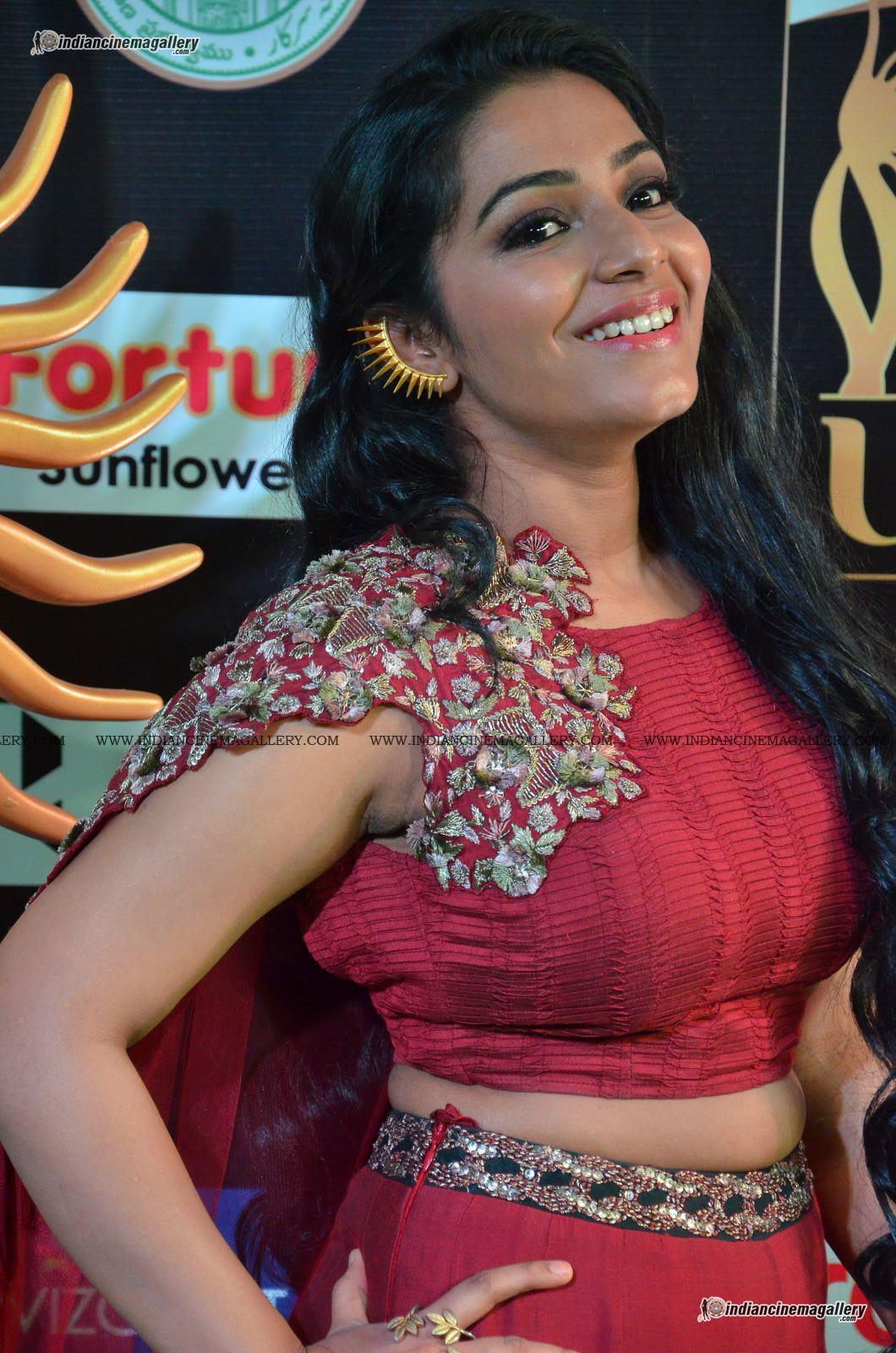 rajisha-vijayan-at-at-iifa-utsavam-awards-2017-141867