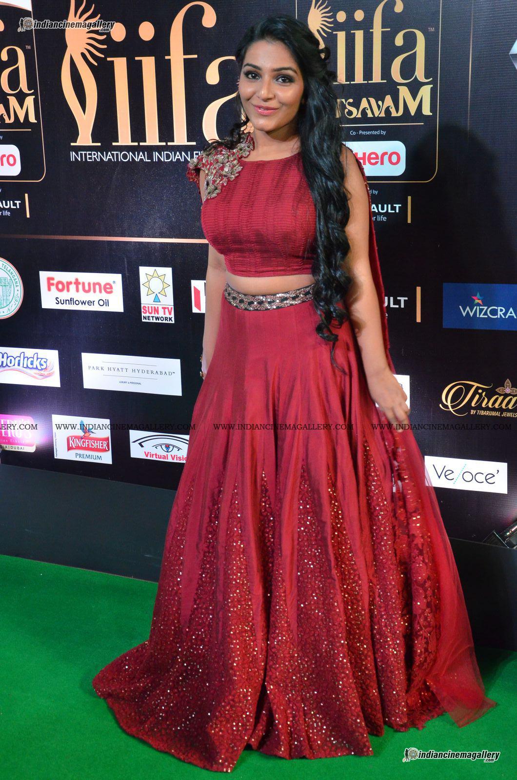 rajisha-vijayan-at-at-iifa-utsavam-awards-2017-54997