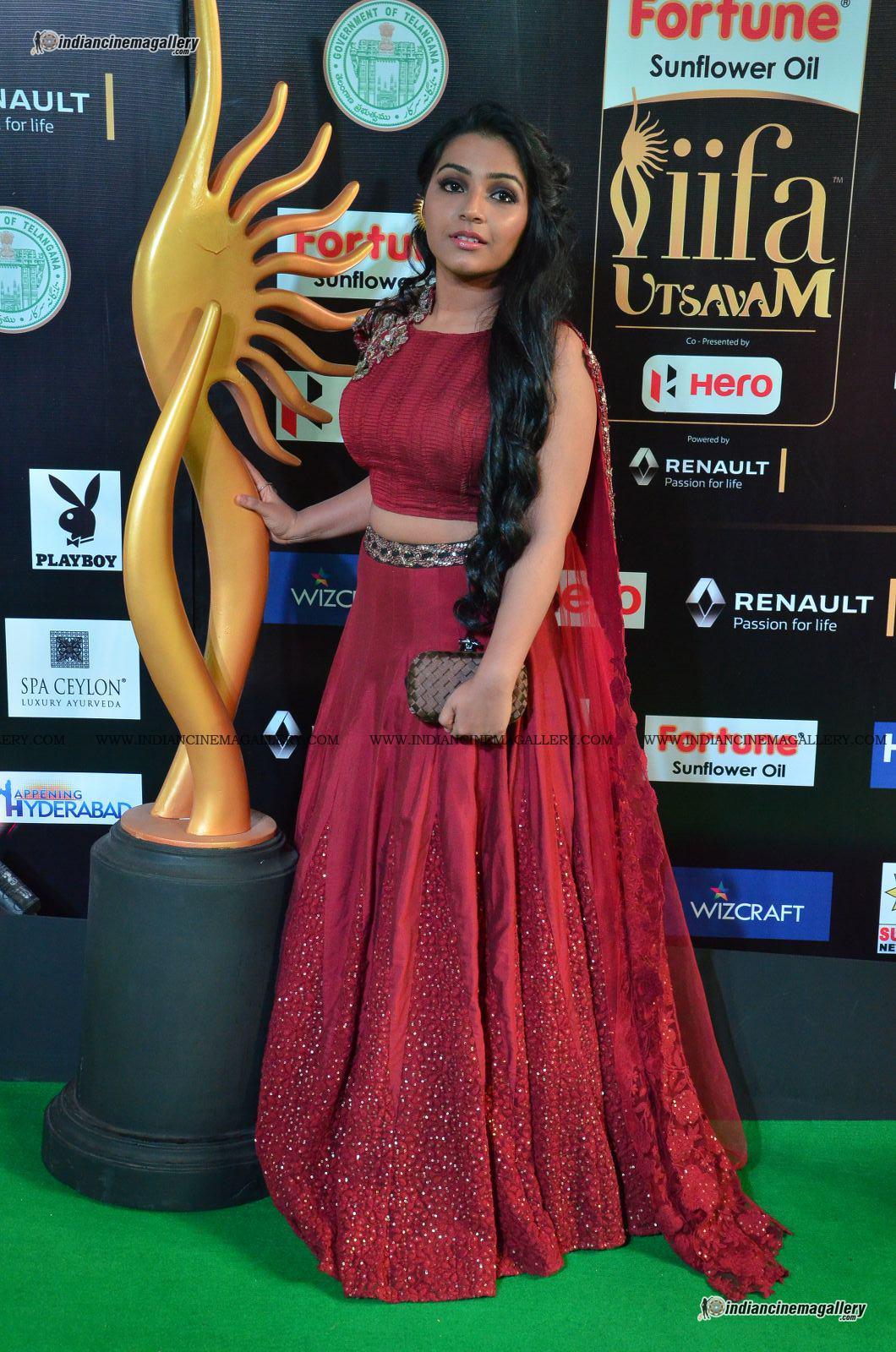 rajisha-vijayan-at-at-iifa-utsavam-awards-2017-6164