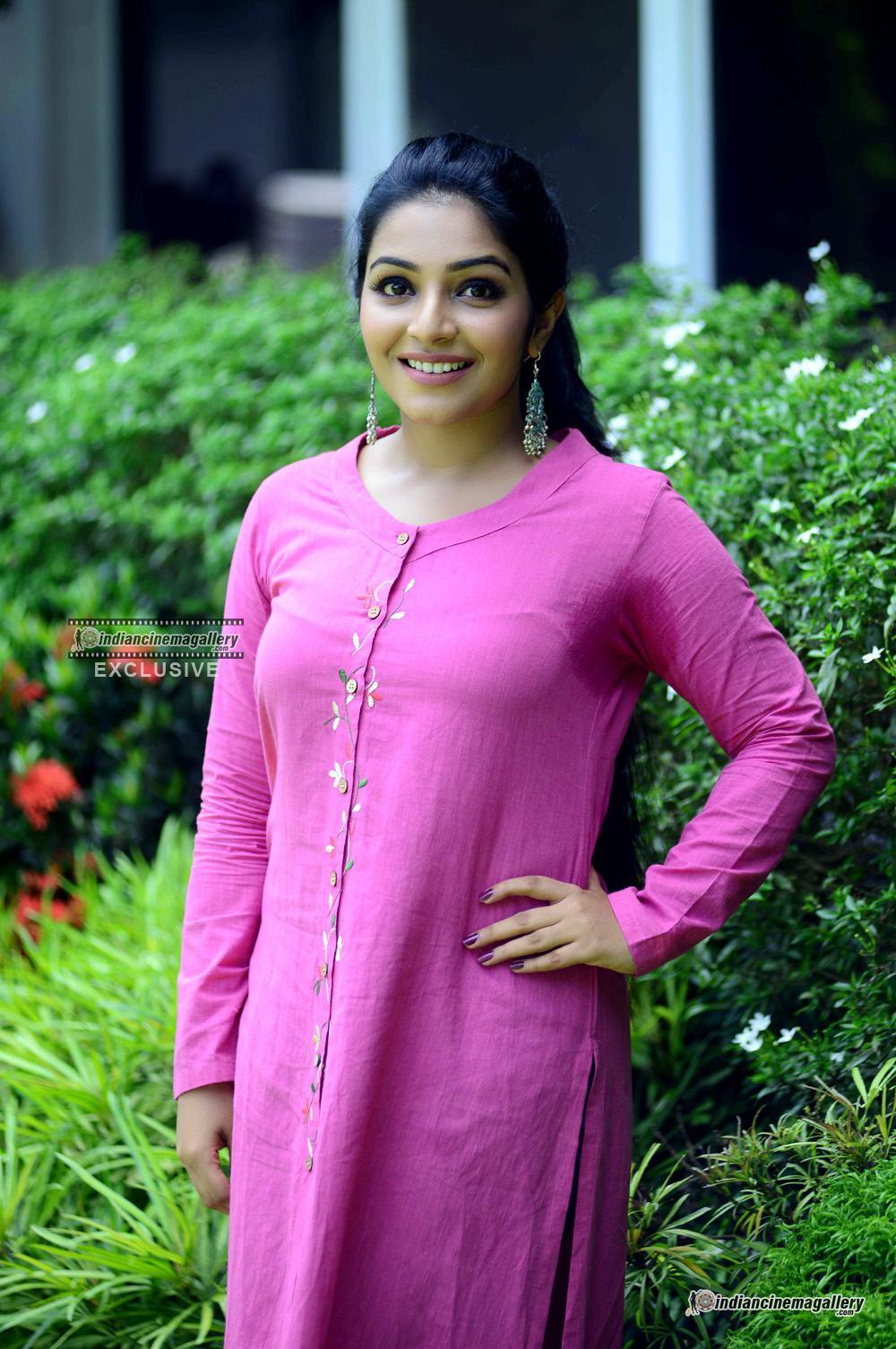 Rajisha Vijayan at oru cinemakkaran promo shoot (1)