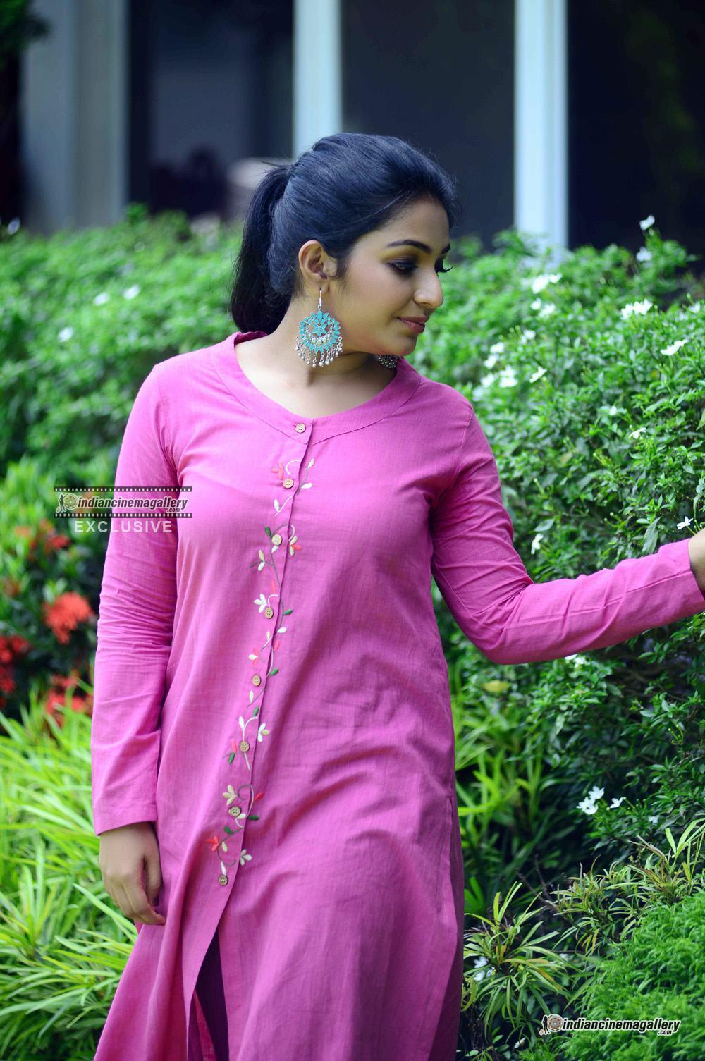 Rajisha Vijayan at oru cinemakkaran promo shoot (10)