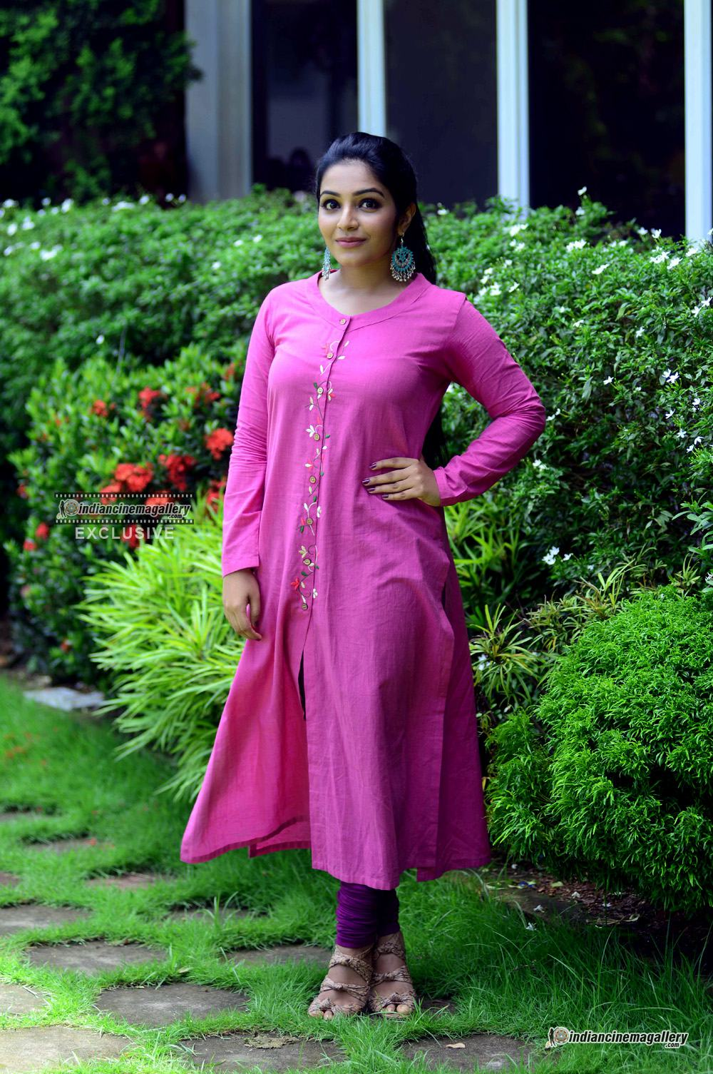Rajisha Vijayan at oru cinemakkaran promo shoot (8)