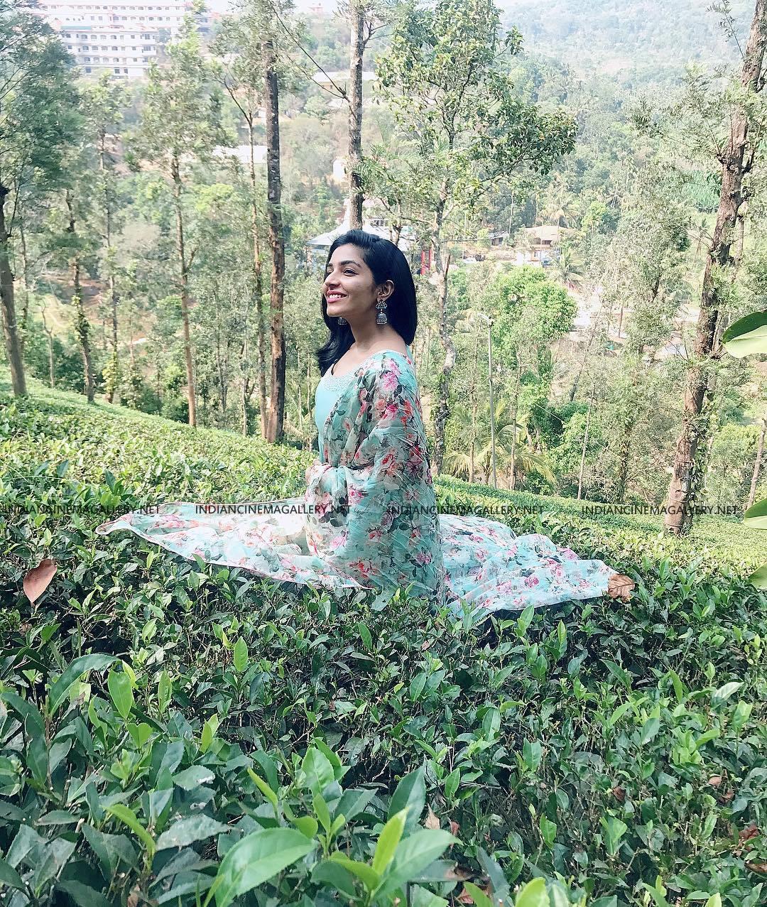 Rajisha Vijayan insta photos march 2019 (10)