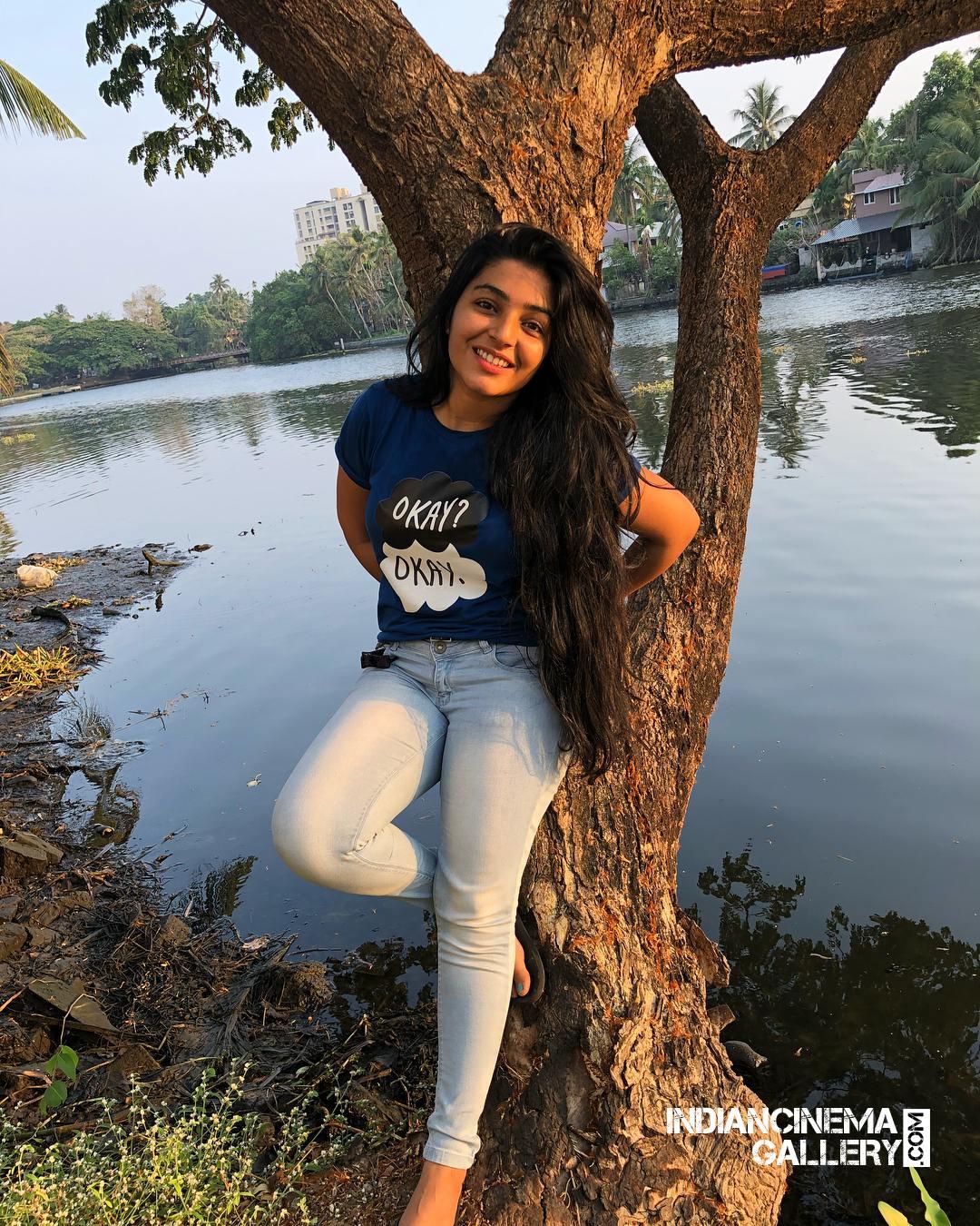 Rajisha Vijayan instagram stills april 2018 (1)