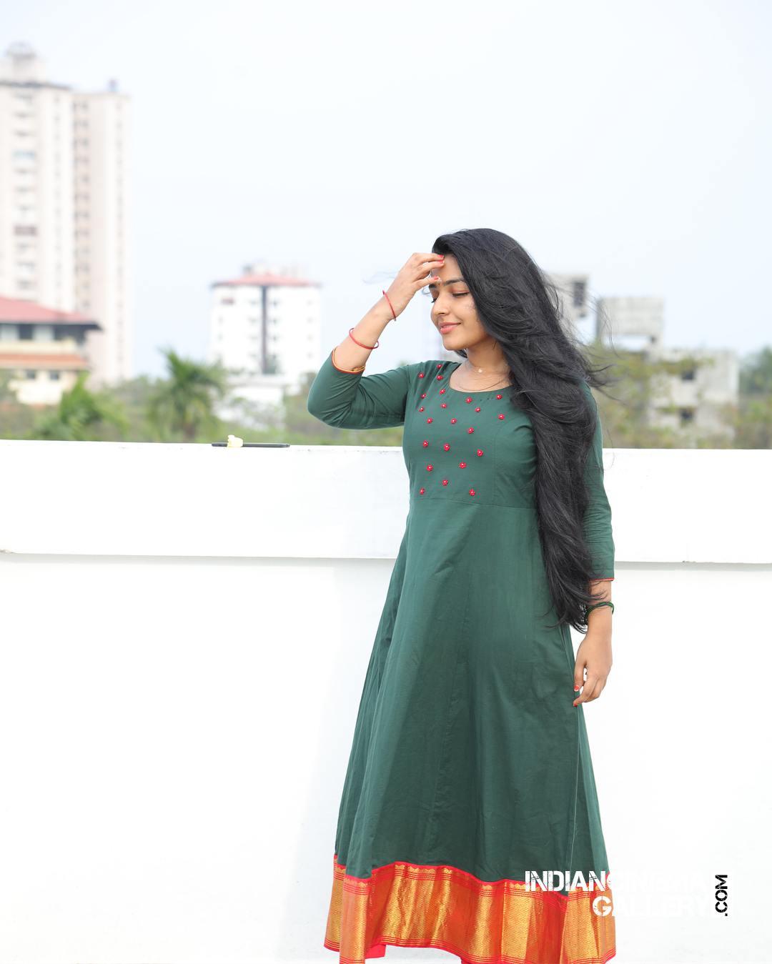 Rajisha Vijayan instagram stills april 2018 (12)