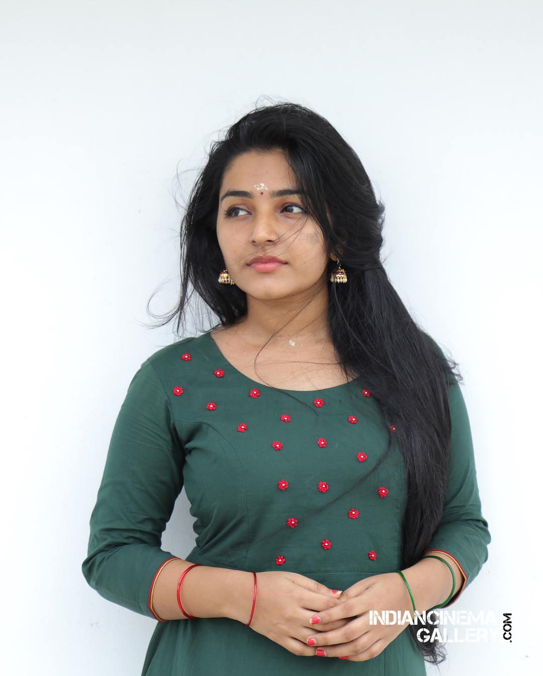 Rajisha Vijayan instagram stills april 2018 (14)