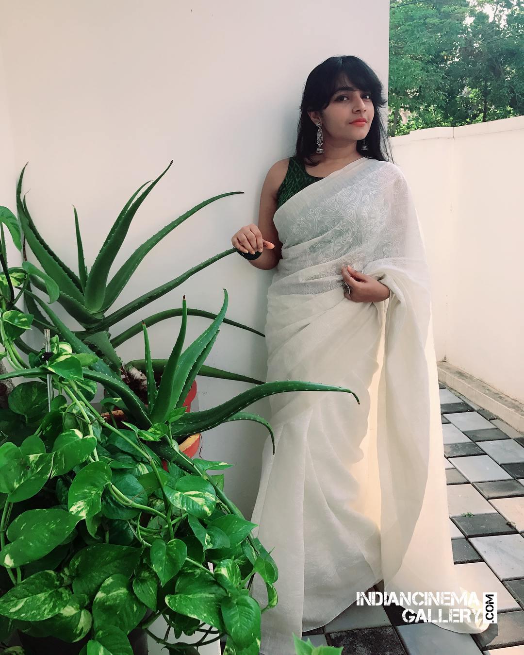 Rajisha Vijayan instagram stills april 2018 (24)