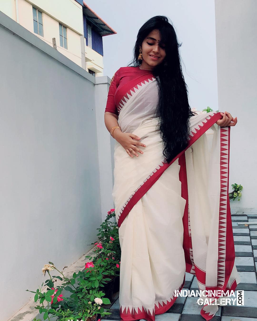 Rajisha Vijayan instagram stills april 2018 (26)