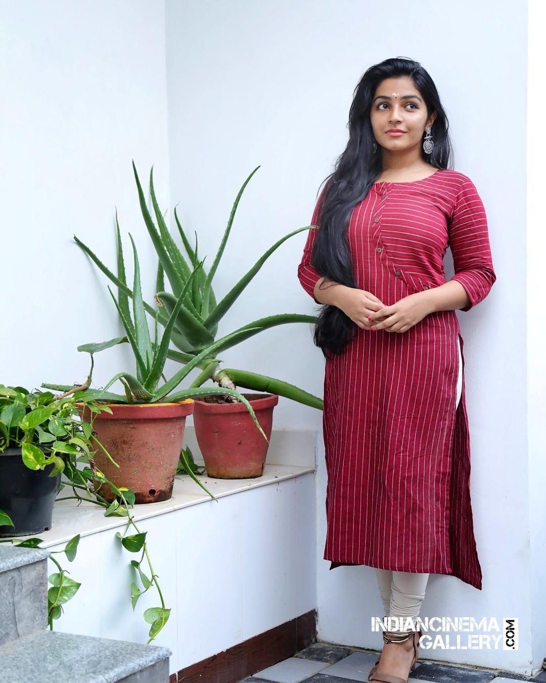 Rajisha Vijayan instagram stills april 2018 (7)