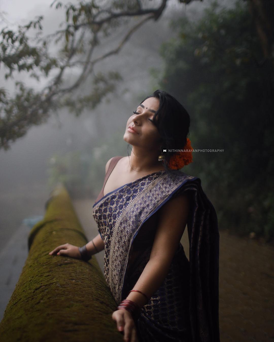 Rajisha Vijayan photo shoot stills (17)