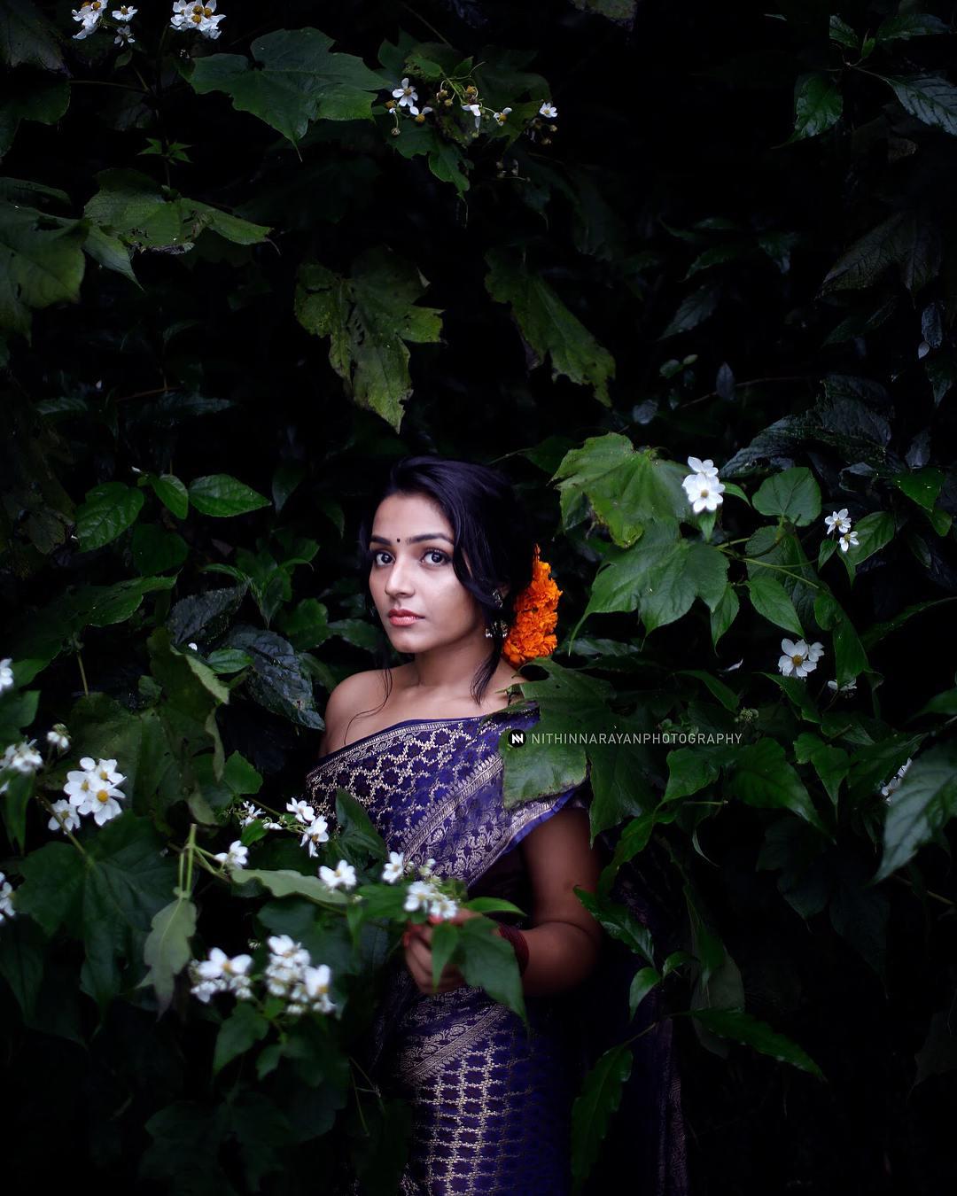 Rajisha Vijayan photo shoot stills (22)