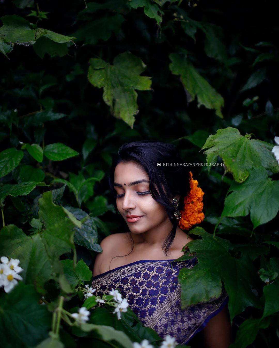 Rajisha Vijayan photo shoot stills (23)