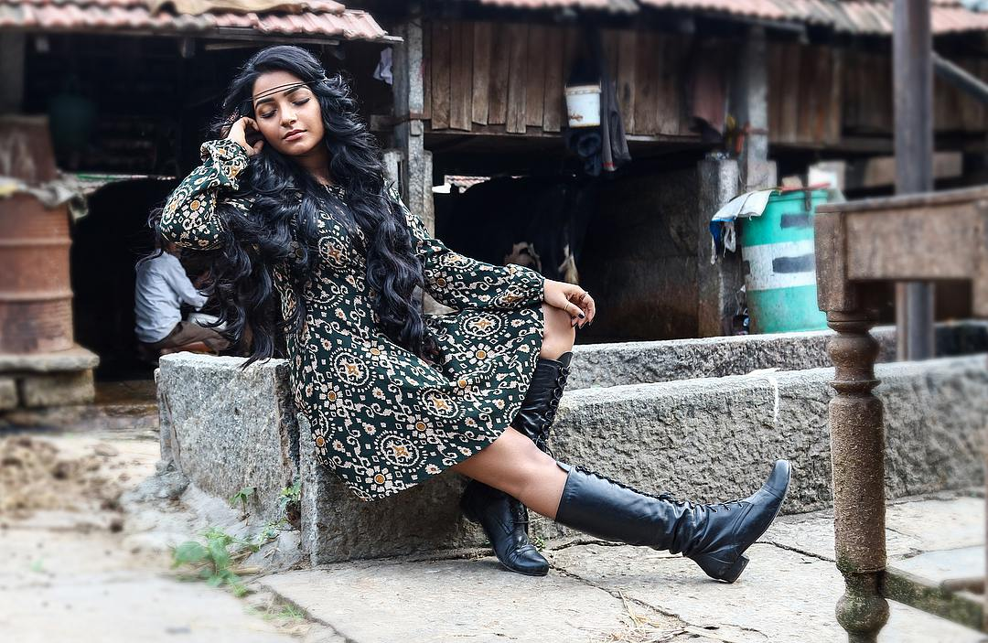 Rajisha Vijayan photo shoot stills (6)