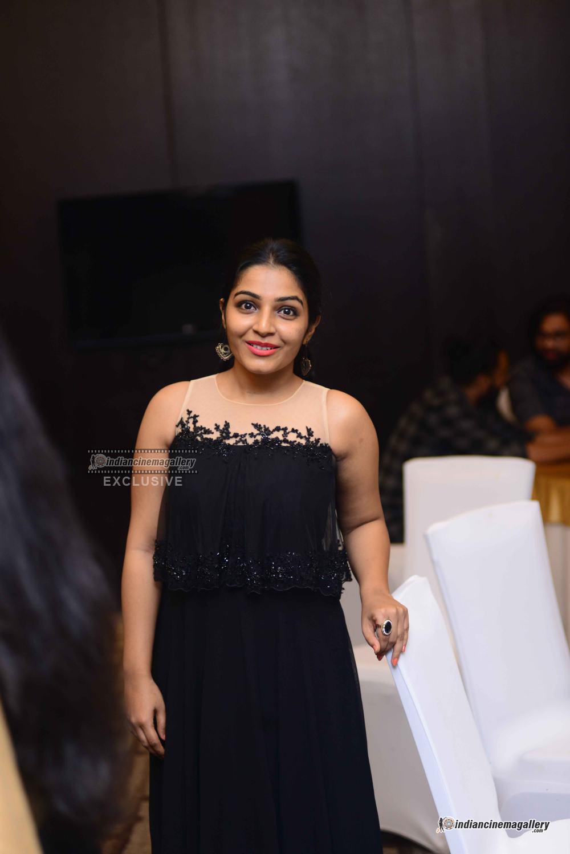Rajisha Vijjayan at anand c chandran reception (7)