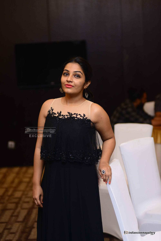 Rajisha Vijjayan at anand c chandran reception (8)