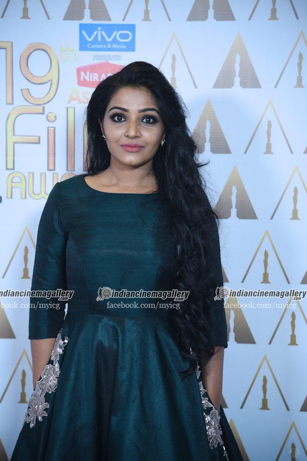 rajisha-vijayan-stills-at-asianet-film-awards-2017-17439