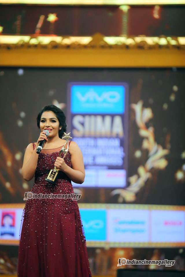 rajisha vijayan at siima awards 2017 (1)