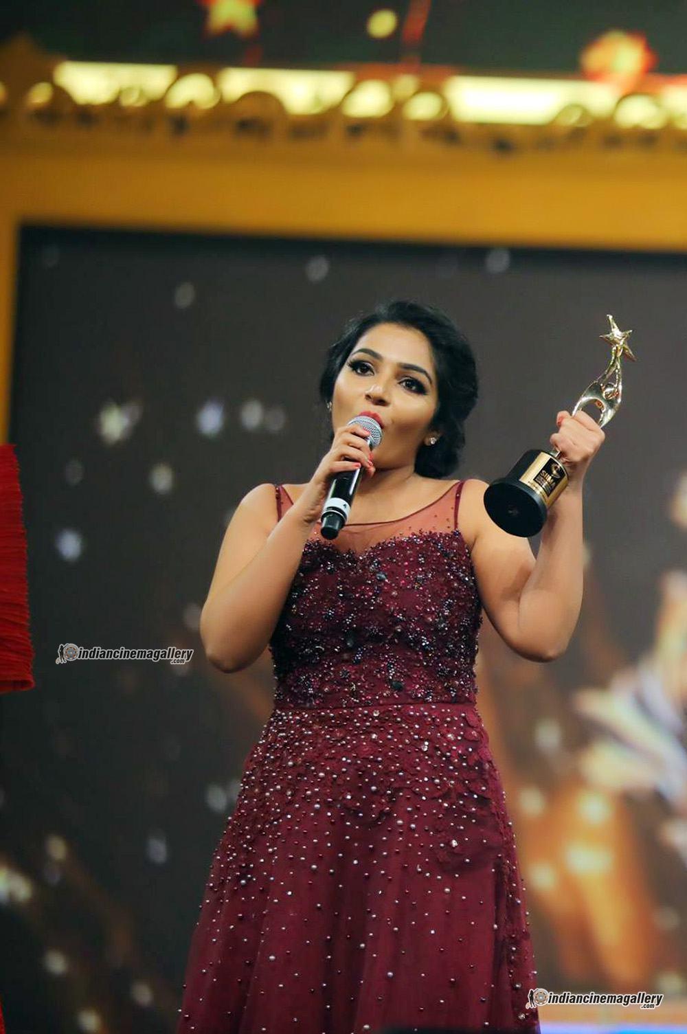 rajisha vijayan at siima awards 2017 (2)