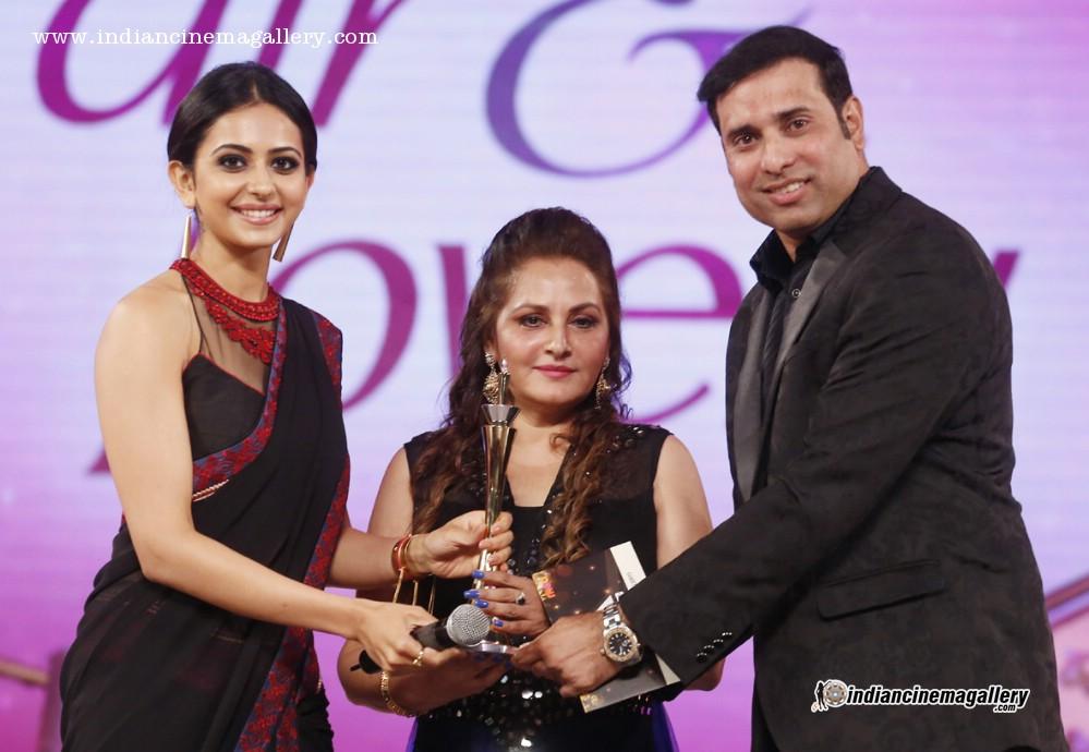 Rakul Preet Singh At Cinemaa Awards 2015 13842