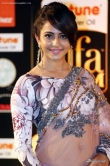 Rakul-preet-singh-at-IIFA-Awards-2016-(8)9825