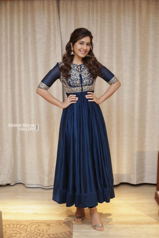 Raashi khanna in blue salwar stills (3)