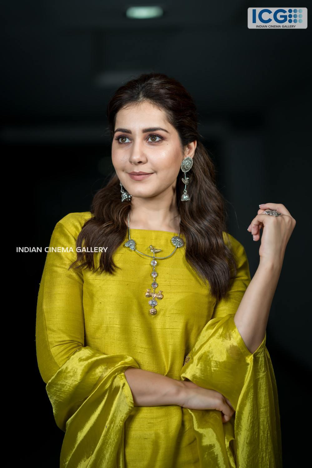 Rashi khanna in green dress stills august 2019 (1)