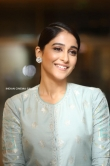 Regina Cassandra sep 2019 stills (3)