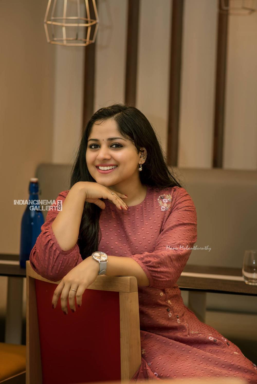 Chandini Sreedharan photo shoot stills (3)