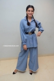 samantha in blue dress stills (1)