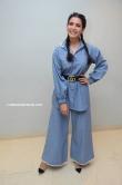 samantha in blue dress stills (2)