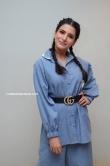 samantha in blue dress stills (3)