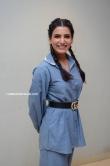 samantha in blue dress stills (4)