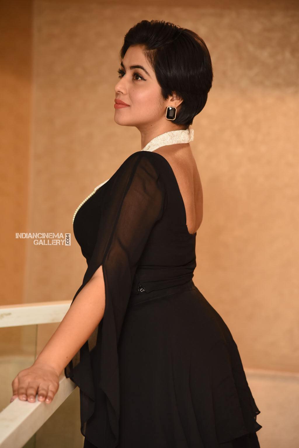 Shamna Kasim at Suvarna Sundhari Movie Trailer Launch (10)