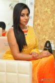 poorna-during-at-beauty-salon-in-vijayawada-144111