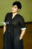 Shamna Kasim poorna in black dress stills (10)