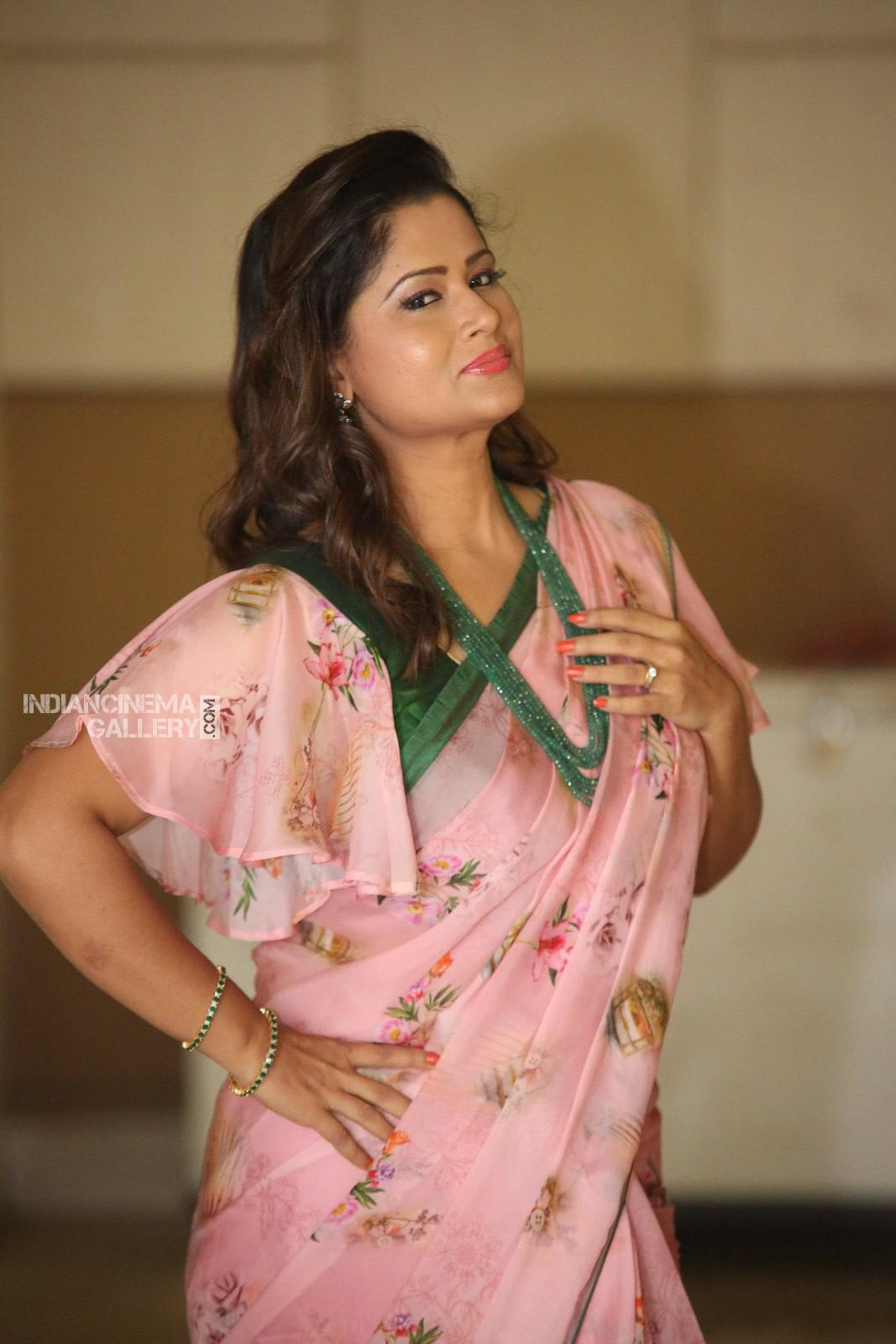 shilpa chakravarthy at RX 100 movie audio launch (13)