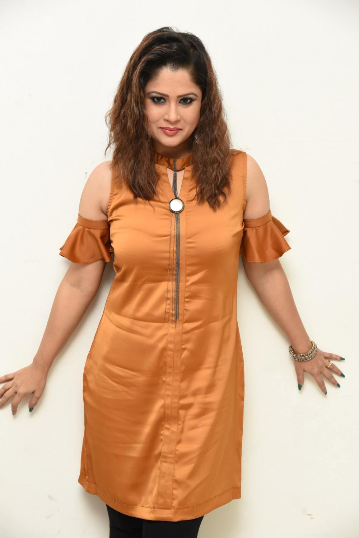 shilpa chakravarthy at peta movie audio launch (17)