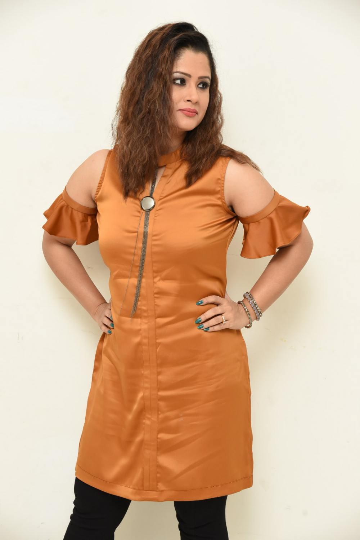 shilpa chakravarthy at peta movie audio launch (7)