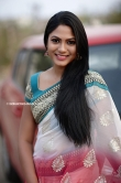 Shruti Reddy stills new (2)