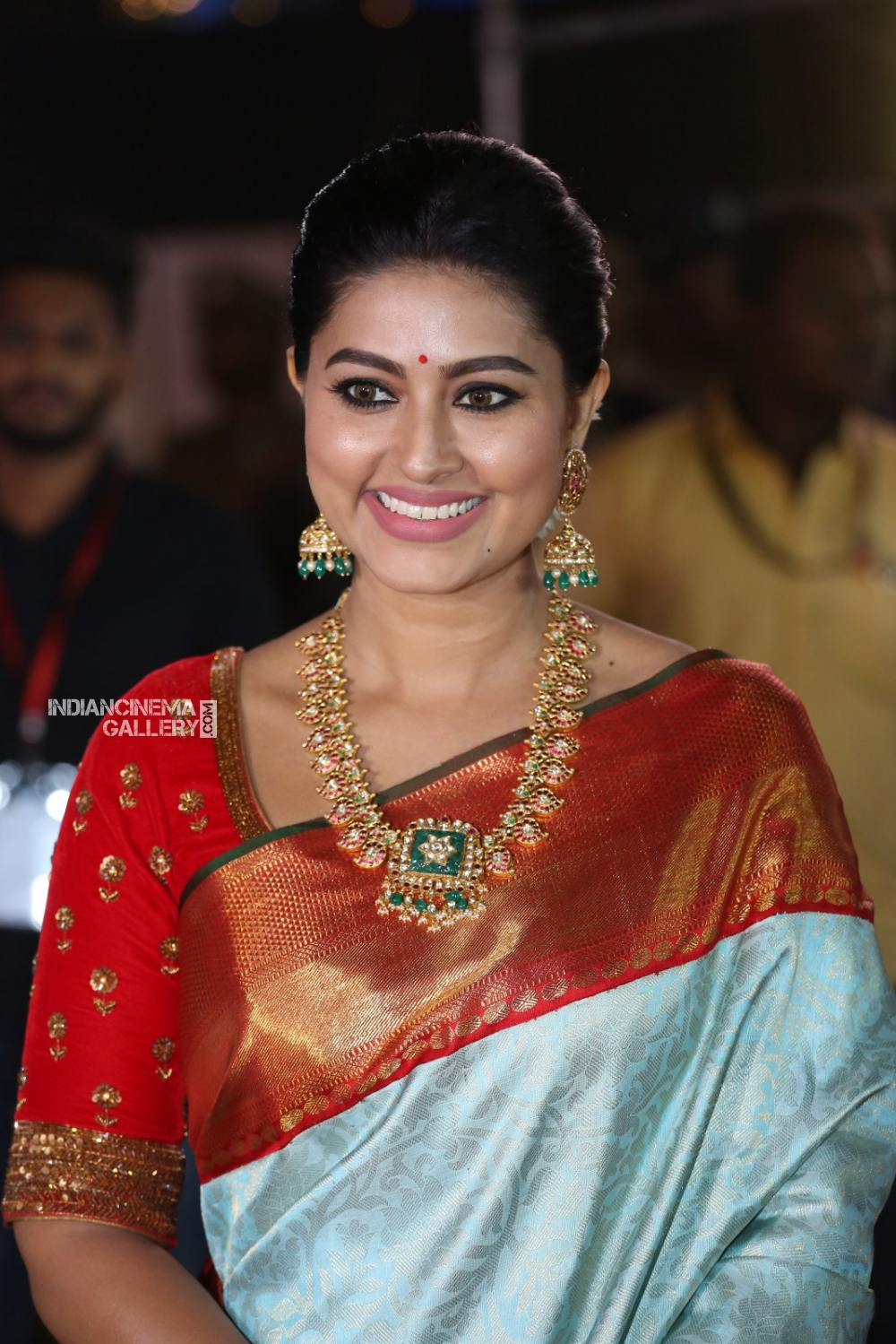 sneha at vinaya vidheya rama audio launch (3)