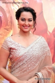 sonakshi-singh-at-lingaa-audio-launch-16423