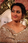 sonakshi-singh-at-lingaa-audio-launch-21629