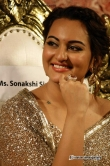 sonakshi-singh-at-lingaa-audio-launch-35777
