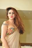 sony-charishta-at-aura-fashion-exhibition-launch-151334