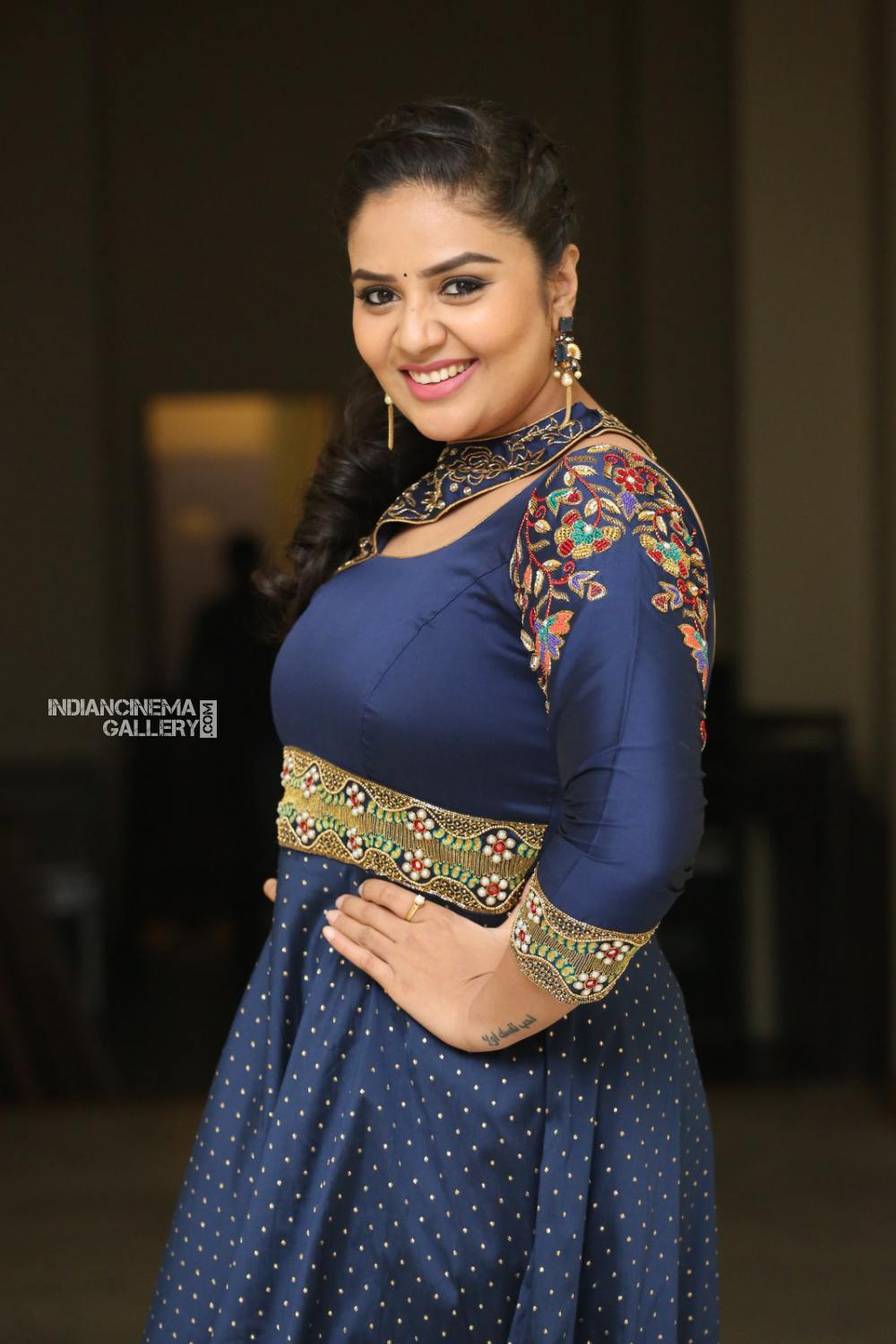 Sreemukhi at Diksuchi Audio function (12)