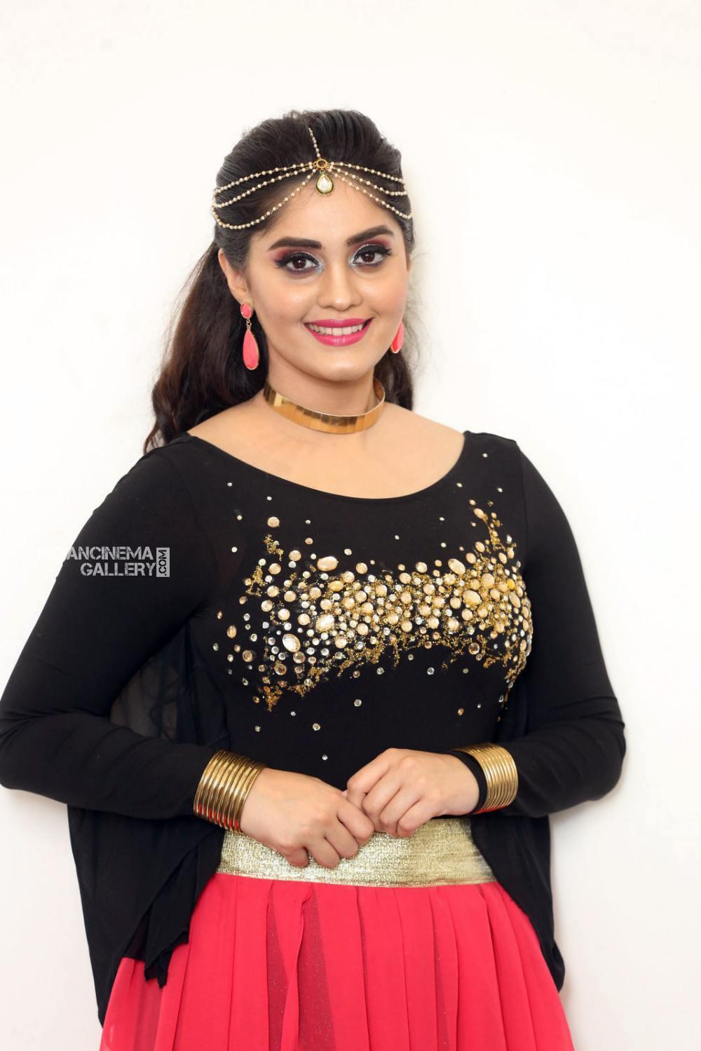 Surabhi at bang bang 2019 event (11)