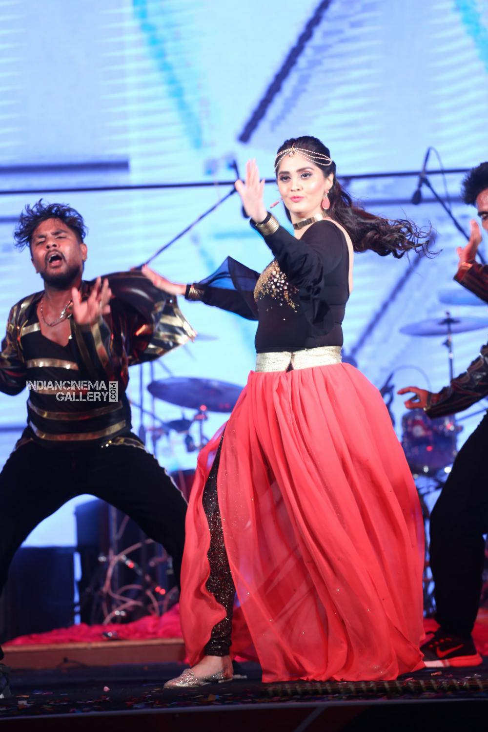 Surabhi at bang bang 2019 event (16)