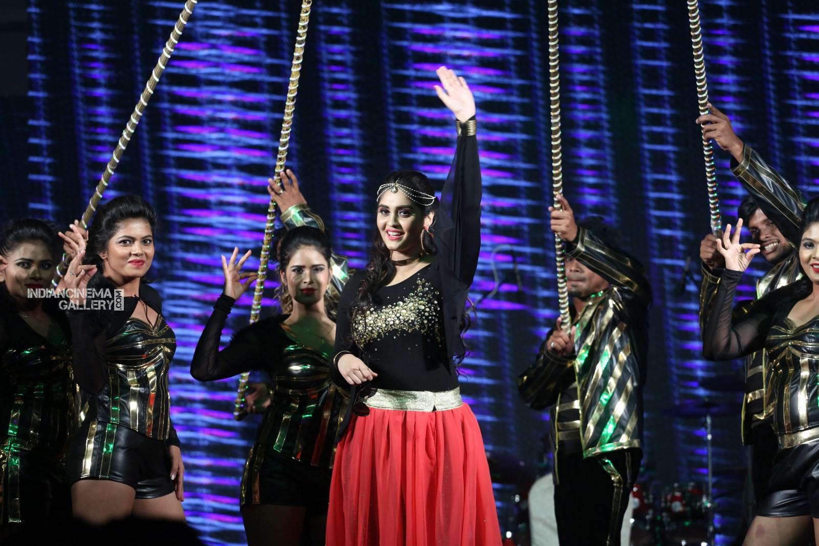Surabhi at bang bang 2019 event (24)
