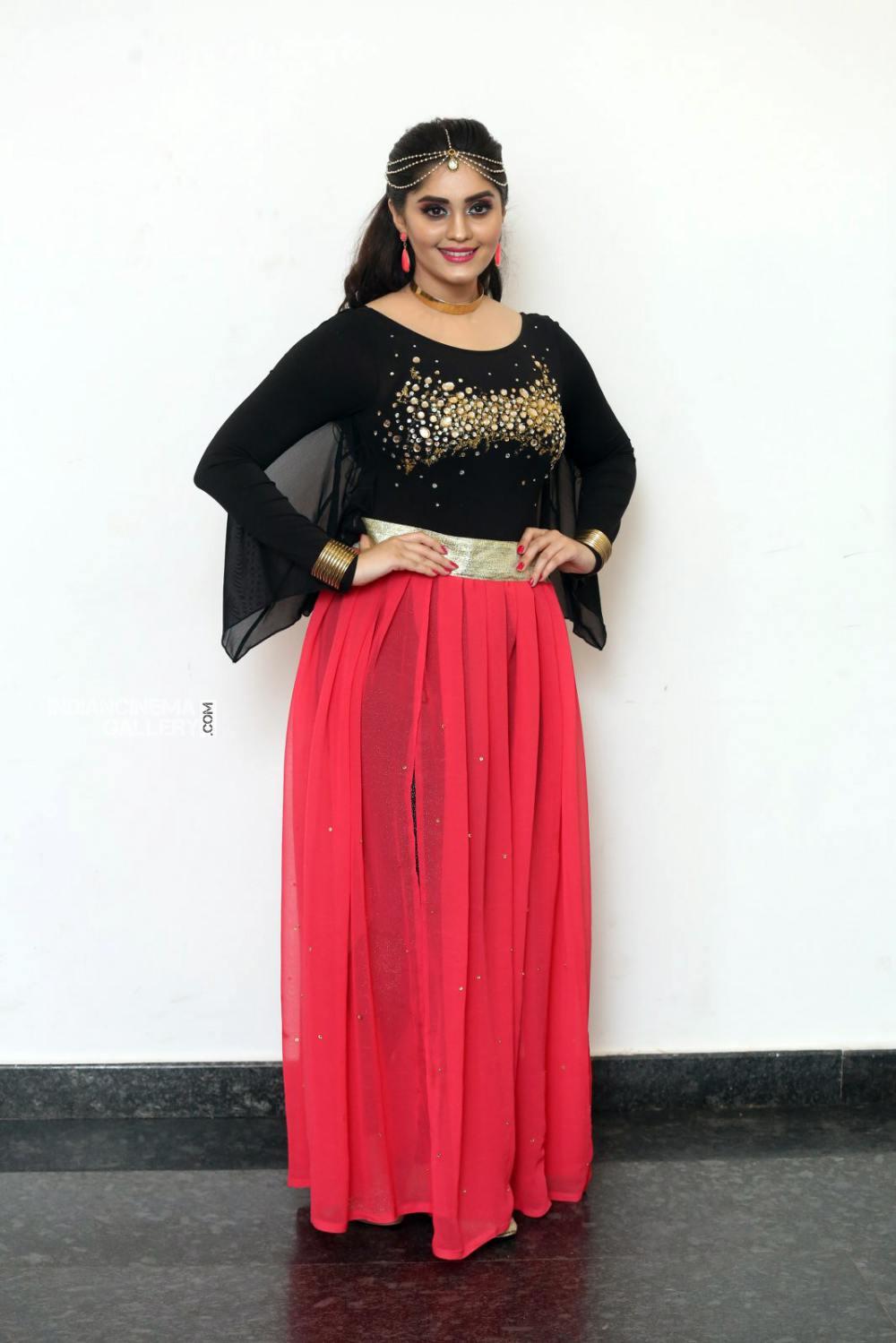 Surabhi at bang bang 2019 event (4)